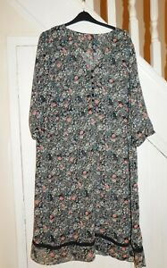 JOE BROWNS - PLUS SIZE, SIZE 26 APPROX - 3/4 SLEEVE FLORAL DRESS