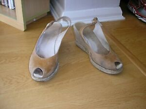LADIES RUSSELL & BROMLEY WEDGE SHOES SIZE 4