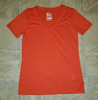 Nike Tee sz M Women's Athletic Cut V-Neck Dri-Fit Gym Shirt Red C4