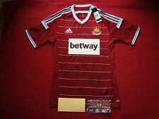 WEST HAM UNITED-HAMMERS 17 PERSONALLY GENUINE HAND SIGNED 2014-15 SHIRT-BNWT-COA