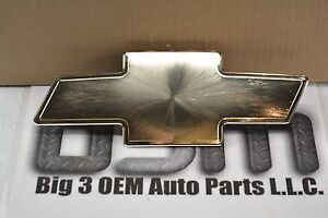 2002 - 2006 Chevrolet Avalanche Gold Bowtie Grille Emblem new OEM 15077065