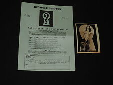 Photo RISQUE GIRL UNDRESSING KNEE HIGH STOCKINGS LINGERIE 1950s KEYHOLE PEEPING