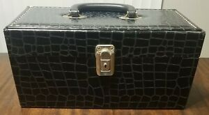 Vintage Black Faux Alligator 8-Track Storage Carrying Case Holds 15 Tapes NICE!