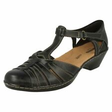 Clarks 100% Leather Sandals Patternless Heels for Women