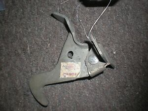 NOS1962 FORD GALAXIE SUNLINER HOOD LATCH CATCH