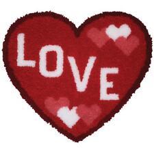LOVE HEART SHAPED LATCH HOOK RUG KIT - CHILDRENS - 37791