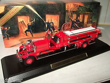"NEUF RARE MATCHBOX ysfe01, 1930 ahrens-Fox ""Quad"" + libre display stand."