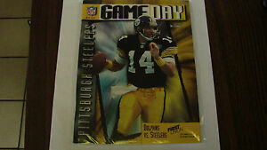 Miami Dolphins Sept 18 1995 VS Steelers Game Day Magzine Neil O'Donnell on cover