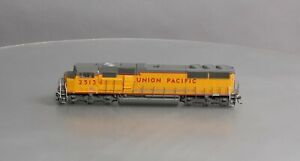 Athearn SD70M HO Union Pacific Diesel w/DCC #2513
