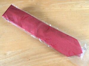 Charles Tyrwhitt Addlestone Plain Red Woven Silk Tie (BNWT)