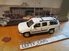 WELLY 2001 white CHEVROLET SUBURBAN SUV 1/38 SCALE - LOOSE! NO BOX!