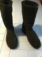 UGG 5815 Women's Classic tall Black Sheepskin Boots Size 5
