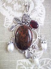 Hermoso Colgante De Piedras Preciosas De Diseño Con Perlas De Agua Dulce, Cadena Incluida.
