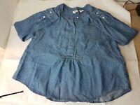 Womens LEVIS Light Blue Denim Long Sleeve Button Shirt Medium Size