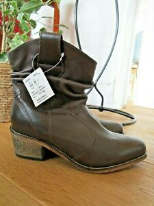 BNWT The Shoe Tailor Brown Leather Cowboy Ankle Boots UK Size 5