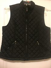 Outer Edge Sz XL Black Quilted Zip Front Sleeveless Vest W/ Zip Pockets.