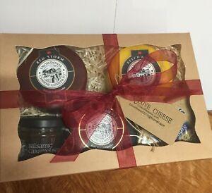 Cheese Hamper Snowdonia Blackbomber Beechwood Red Storm & Chutney