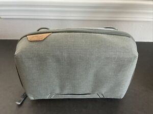 Peak Design Travel Tech Pouch (Sage) Multipocket Vlogger TechDev NEW w/o tags
