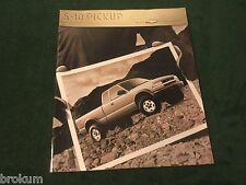 MINT CHEVROLET 2000 CHEVY S-10 36 PAGE SALES BROCHURE NEW ORIGINAL (BOX 762)