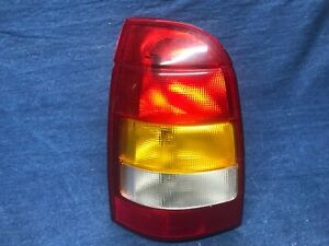 2000 2001 2002 Saturn Station L Wagon LEFT Side Tail Light Lamp Assembly