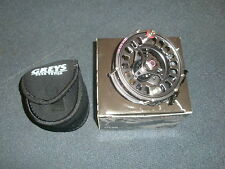 Greys GTS800 #7-8 Fly Reel + Neoprene Pouch Fishing tackle