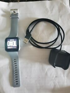 Fitbit Versa Smart Watch, Gray/Silver Aluminium, One Size S