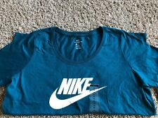 Nike Women's Swoosh Logo T-Shirt - SMALL (943071-347) TURQUOISE