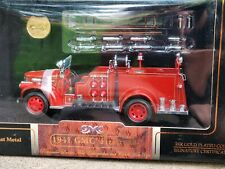 Road Signature 1941 GMC Firetruck 1:24 Scale Diecast Fire Engine 24k Gold Plated