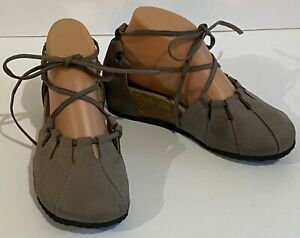 Haflinger 5 EUR 36 Gray Suede Leather Cork Footbed Tie Up Ballet Flats
