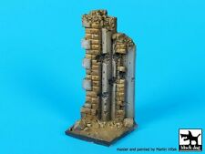 Black Dog 1/35 Damaged Stone Wall Section Vignette / Diorama Base (5x5cm) D35079