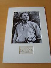 Anthony Quayle Genuine Autograph - UACC / AFTAL.