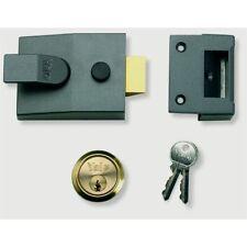 Yale Deadlocking Standard Nightlatch Security Lock, 40mm