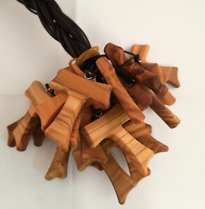 N.20 Tau Ulivo San Francesco Assisi croce legno olivo pace laccio cm 2 - 3 - 4