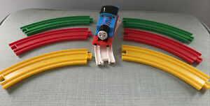 Tomy Trackmaster Thomas The Tank Engine Battery Train & Colour Track