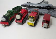 Thomas The Tank Lot of 5 Metal Connecting Trains with Misc Plastic Track Pieces
