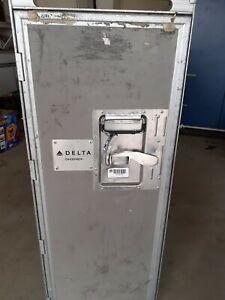 Flugzeugtrolley - Full-Size AirlineTrolley Delta Servierwagen Catering