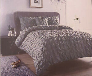 Seville Pintuk Pleated Duvet Covers with Pillowcase Home Bedding Set Single Size