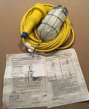 Ericson 900 Series 70N Vapor-Proof Industrial Duty Incandescent Handlamp