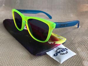 Oakley Vintage Frogskins Backlight Neon Yellow Blue Iridium Sunglasses 24-289