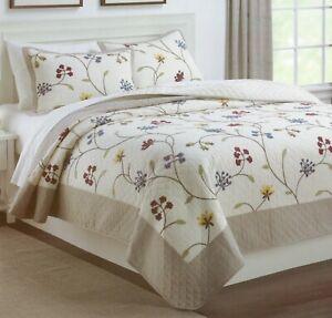 Nostalgia Provence Full / Queen Quilt Heritage Home Applique Flowers Comforter
