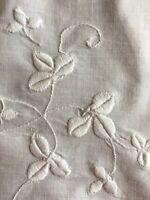 Vintage Embroidered Shamrocks Table Runner Centerpiece Cloth Hemstitch All White