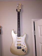 Vintage Hondo H77 electric guitar good shape