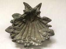 Coupelle / vide poche en etain art nouveau décor de feuillage judgenstil