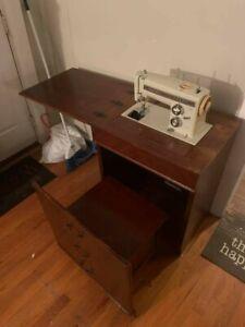 Sears Kenmore 158.14301 Sewing Machine - Mint!! ORIGINAL PAPERWORK INCLUDED