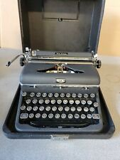 1940s Royal Quiet Deluxe Typewriter  HEMINGWAY 30-Day Money Back Guar