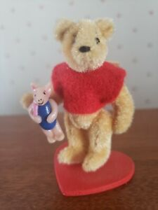 """VINTAGE 2+1/2"""" POOH BEAR WITH 1"""" PLASTIC PIGLET BY JAPANESE ARTIST  1993"""