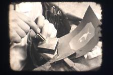 alter 16 mm Film Der moderne Goldschmied bei seiner Arbeit um 1930 s/w