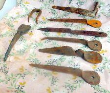 historische alte geschmiedete Baustoffe ? antik Eisen Einschlaghaken Haken ?
