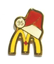 PINS MAC DONALD'S FAST FOOD BONNET ROUGE NOEL 1995