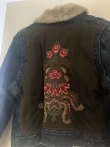 TOMMY HILFIGER denim Jacket Flower Embroided Back Design Women